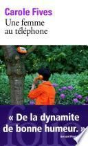 Une femme au téléphone